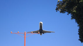 LOS ANGELES, la CALIFORNIE, Etats-Unis - 9 octobre 2014 : peu avant débarquement montré par avion à l'aéroport LAX de LA Photo libre de droits