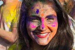 Leute feiern Holi Festival von Farben Lizenzfreies Stockfoto