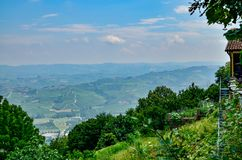 Los Angeles Morra, prowincja Cuneo, Podgórska, Włochy zdjęcie stock