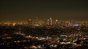 Los Angeles nocą - widok z lotu ptaka od Hollywood wzgórzy zdjęcie wideo