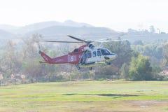 Los Angeles ogienia AgustaWestland AW139 Aerobus H125 helikopter Fotografia Royalty Free