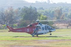 Los Angeles ogienia AgustaWestland AW139 Aerobus H125 helikopter Zdjęcia Royalty Free