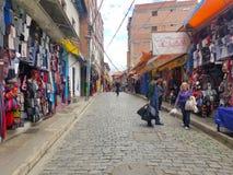 LOS ANGELES PAZ, BOLIWIA, DEC 2018: Los Angeles Paz, Boliwia ulicy w centrum miasta zdjęcia royalty free