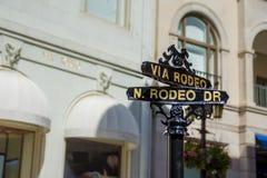 Los Angeles rodeo przejażdżki znaki uliczni obrazy stock