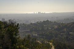 Los Angeles-Skyline in Abstand 10 Lizenzfreie Stockbilder