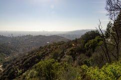 Los Angeles-Skyline in Abstand 5 Lizenzfreie Stockfotografie
