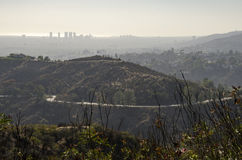 Los Angeles-Skyline in Abstand 2 Stockbild