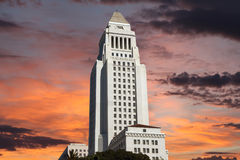 Los AngelesRathaus mit Sonnenaufgang-Himmel Stockfotografie