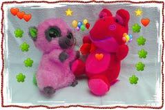 Los animales domésticos de la amistad feliz del oso y del feliz cumpleaños y de los niños aman y las flores y los teddys Imagen de archivo libre de regalías