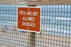 Los animales domésticos no se permiten en la playa Imagen de archivo