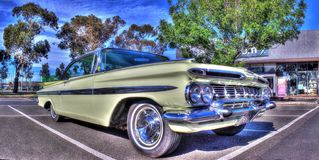 Los años 50 americanos clásicos Chevy Impala Imagenes de archivo