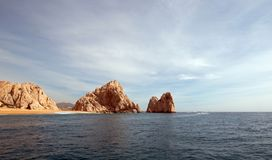 Los Arcos/η αψίδα στο τέλος εδαφών όπως βλέπει από το Ειρηνικό Ωκεανό σε Cabo SAN Lucas στη Μπάχα Καλιφόρνια Μεξικό Στοκ Εικόνα