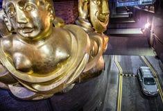Los artes de la barbacana se centran, ciudad de Londres, escultura moderna, estatuas imagenes de archivo
