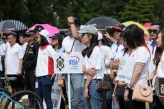 Los atletas aficionados de diversos grupos en Pluak Daeng participaron en la actividad Fotos de archivo