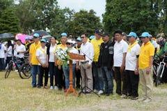 Los atletas aficionados de diversos grupos en Pluak Daeng participaron en la actividad Imágenes de archivo libres de regalías