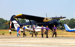 Los aviones de los deportes en el aeropuerto Imagen de archivo