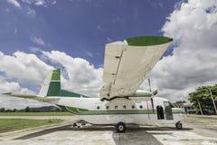 Los aviones para asperjar la lluvia, hacen que llueve Fotografía de archivo libre de regalías