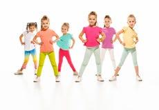 Los bailarines de la escuela de danza de los niños, del ballet, de hiphop, de la calle, enrrollados y modernos Foto de archivo libre de regalías
