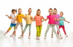 Los bailarines de la escuela de danza de los niños, del ballet, de hiphop, de la calle, enrrollados y modernos Fotos de archivo libres de regalías