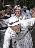 Los bailarines de la escuela de Londres de la samba flotan Imagenes de archivo
