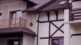 Los balcones de diferente mecanografían adentro la nueva casa metrajes