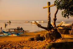 Los barcos del Balinese en Sanur varan por la mañana en el amanecer, Bali, Indonesia Imagen de archivo