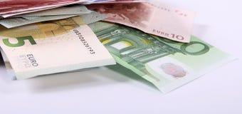 Los billetes de banco euro se cierran para arriba, moneda europea Imagen de archivo libre de regalías