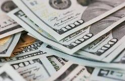 Los billetes de dólar del fondo se cierran para arriba Imágenes de archivo libres de regalías