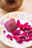Los bocados diarios sanos sabrosos de la comida de la raíz de la remolacha comen Foto de archivo