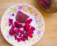 Los bocados diarios sanos sabrosos de la comida de la raíz de la remolacha comen Imagenes de archivo