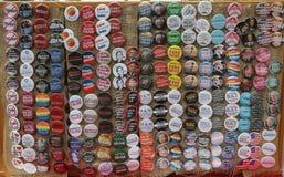 Los botones para la resistencia se colocan en Washington Square en Lower Manhattan Imagenes de archivo