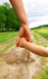 los brazos miman e hijo Fotografía de archivo libre de regalías
