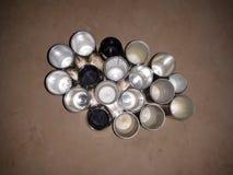 los círculos de una tapa de un perfume imagenes de archivo
