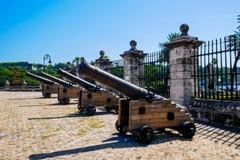 Los cañones coloniales españoles fotografía de archivo libre de regalías