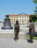 Los caballeros broncean la estatua en la ciudadela de Alba Iulia, Rumania imágenes de archivo libres de regalías