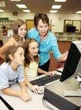 Los cabritos aprenden el ordenador Foto de archivo libre de regalías