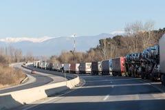 Los camiones internacionales del transporte se bloquean de la frontera Imagen de archivo libre de regalías