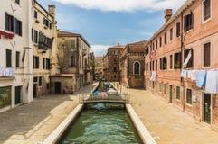Los canales hermosos de Venecia Imágenes de archivo libres de regalías