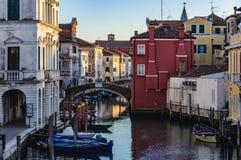 Los canales y la ciudad vieja en Chioggia, Italia Foto de archivo libre de regalías