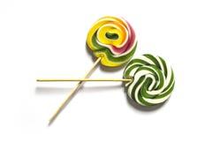 Los caramelos coloreados y modelados, caramelos coloridos de la diversión para los niños aman el azúcar escrito, colorearon y mod Imagen de archivo