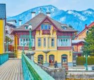 Los chalets en el puente de Taubersteg, mún Ischl, Salzkammergut, Austria imagen de archivo libre de regalías