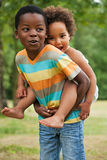 Los childs africanos se están divirtiendo foto de archivo libre de regalías