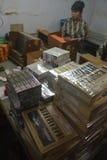 Los cigarros de Jember hecho a mano Fotos de archivo