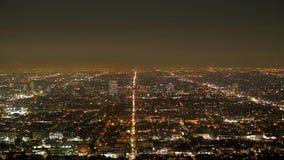 Los citylights de Los Angeles por la noche - visi?n a?rea metrajes