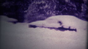 Los coches (de la película estupenda 8) enterraron las nevadas fuertes 1975 almacen de video