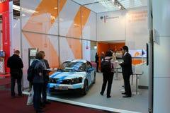 Los coches eléctricos del soporte el 20 de marzo de 2015 Imagenes de archivo