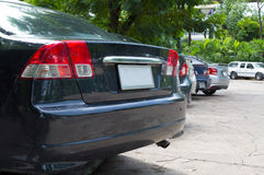 Los coches modernos son el jardín del estacionamiento Fotografía de archivo libre de regalías