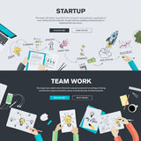 Los conceptos planos del ejemplo del diseño para la puesta en marcha del negocio y el equipo trabajan ilustración del vector