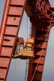 Los constructores están trabajando en la mucha altitud Imagen de archivo