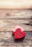 Los corazones de la tarjeta del día de San Valentín Foto de archivo